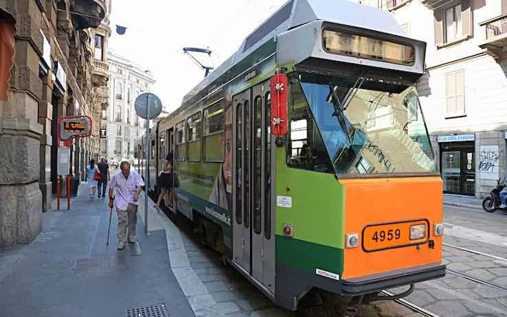 Lombardia, controlli dei Nas sui mezzi pubblici: un solo tampone positivo a Varese