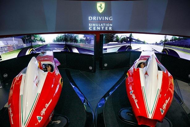 Al Ferrari Store è aperta l'avventura al simulatore