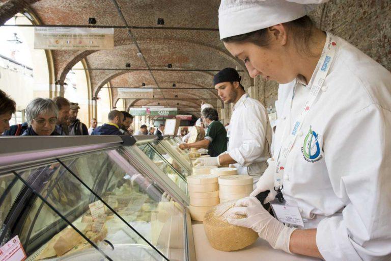 Piccoli produttori alla ribalta a Bra con Cheese2019