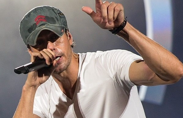 Il re del pop latino: Enrique Iglesias accende il Forum