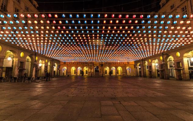 Opere d'arte e installazioni luminose, tre mesi di <i>luci d'artista</i> a Torino