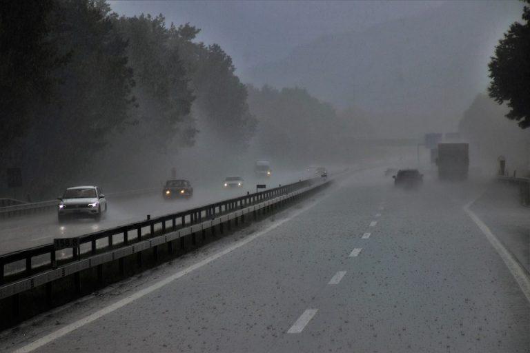 Tutti in viaggio per il ponte di Ognissanti, occhio a pioggia e temperature