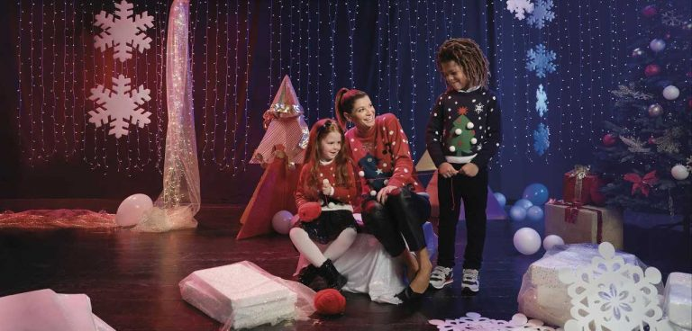 Un maglione per i più piccoli: è il <i>Christmas Jumper Day</i> di Save The Children