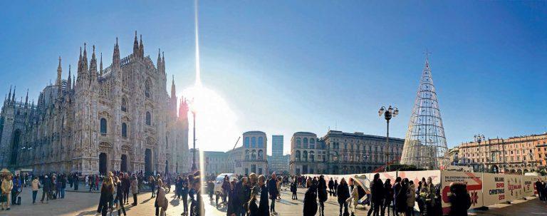 Un nuovo Albero di Natale in Duomo: ai milanesi piace?