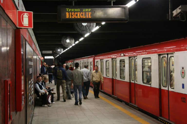 Cambia la norma relativa al distanziamento sociale sui mezzi pubblici