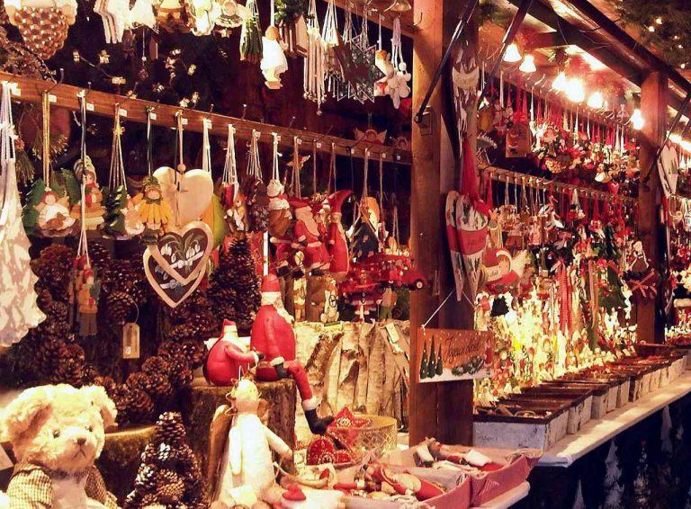 Natale per 8: giro in Lombardia per regali last minute, divertimento e musica