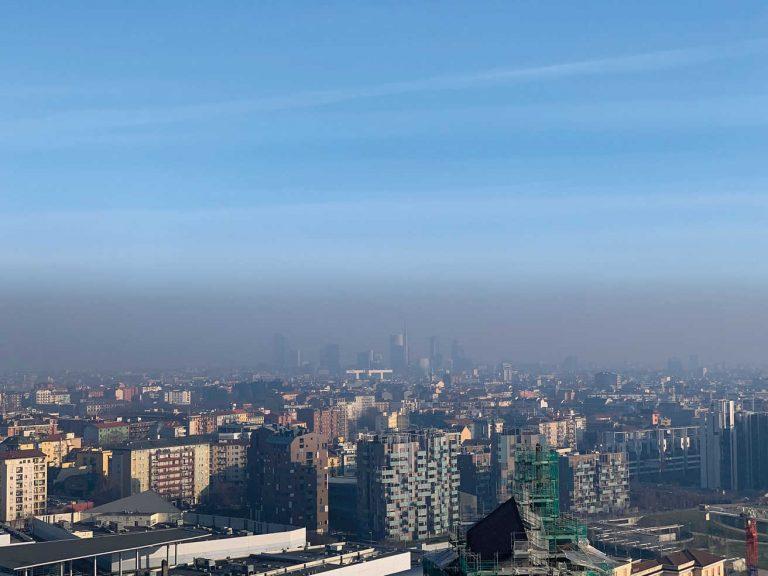 Aria di Milano, il PM10 ha già raggiunto le stelle: il punto
