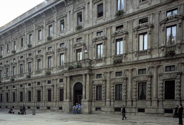 Il Comune di Milano si sposta in periferia: tre nuovi uffici
