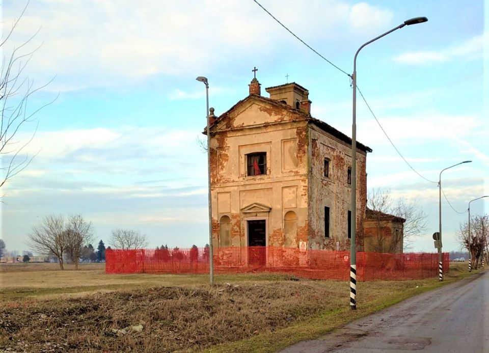 La chiesetta non si tocca