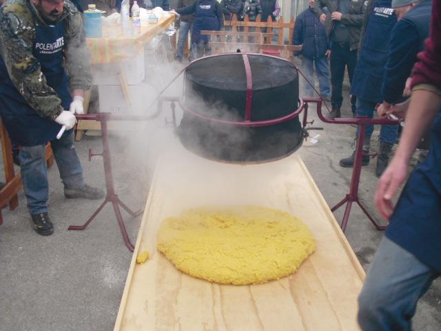 La polenta è un'arte a Monteveneroso