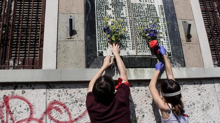 """""""Mini corteo"""" per il 25 aprile: bloccato con la forza dalla polizia"""