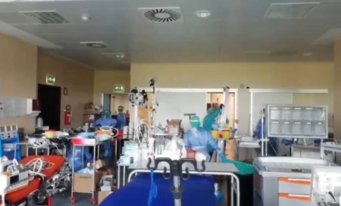 Niguarda, il video di medici e infermieri che festeggiano: «Chiusa una delle terapie intensive d'emergenza»