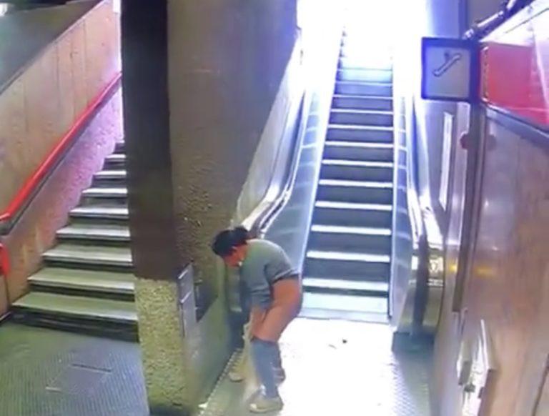 Quando la metro diventa un bagno pubblico
