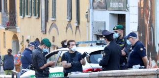 coronavirus, fase 2: darsena navigli- movida con presidio della polizia locale