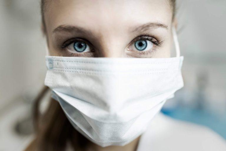 Coronavirus, si va verso la proroga dell'obbligo della mascherina fino al 31 agosto
