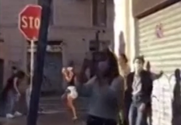 Discoteca a cielo aperto in Porta Venezia: identificata la deejay