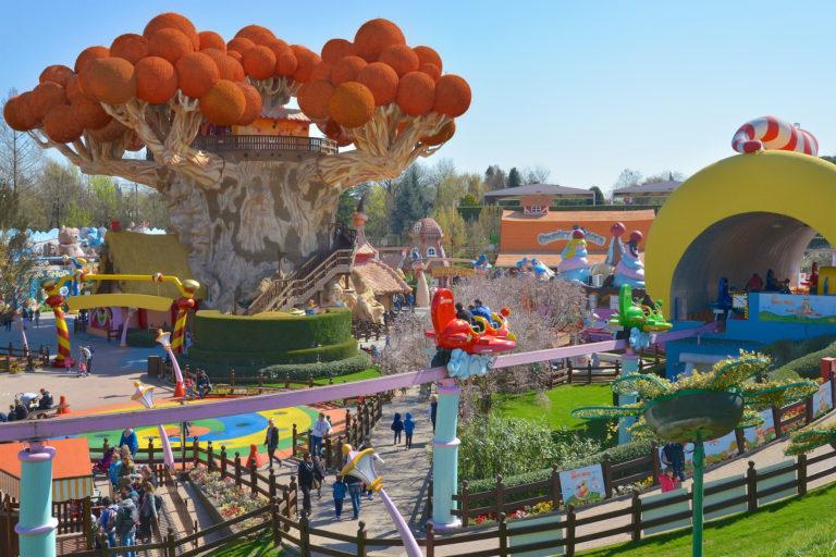 Mi consigli un parco tematico? Riapre il divertimento per grandi e bambini