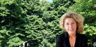 Appuntamento teatrale con Olinda: «Da vicino nessuno è normale»
