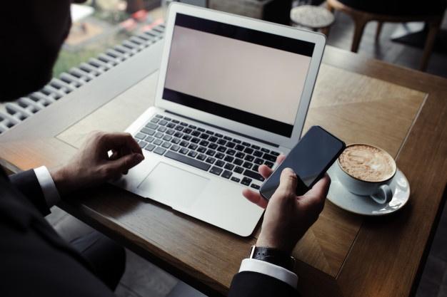A Milano lo smart working al bar si prenota con l'app