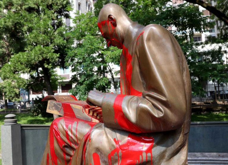Statua Montanelli, la Lega denuncia il collettivo studentesco LUME
