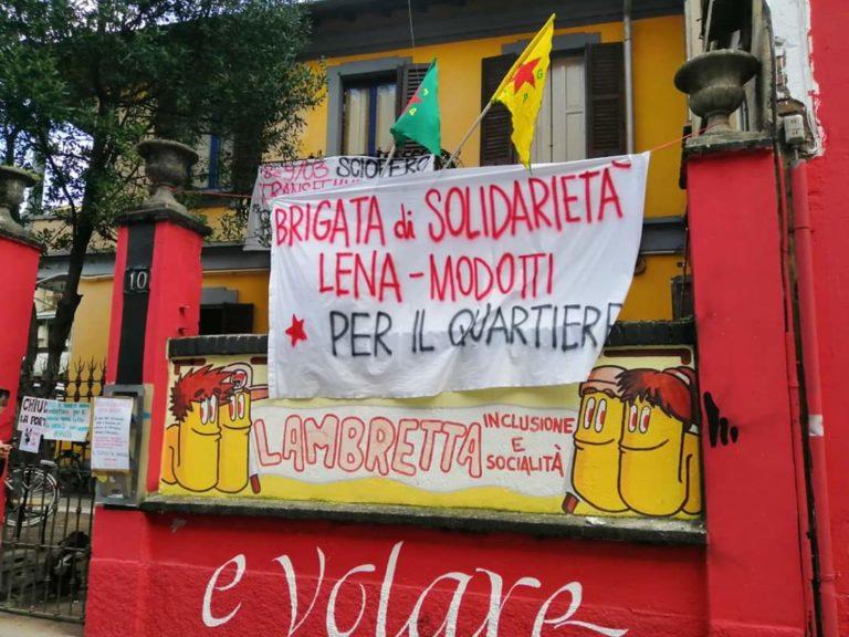 La solidarietà è in sgombero: il Collettivo Lambretta cacciato dallo stabile di via Edolo