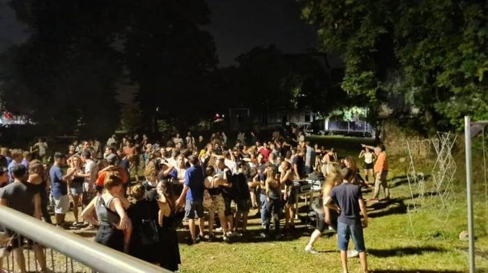 """Movida """"selvaggia"""": la festa di piazzale Baiamonti al centro delle critiche"""