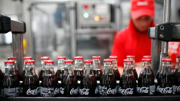 Milano, Coca-Cola in sciopero: tagliati gli stipendi dei lavoratori