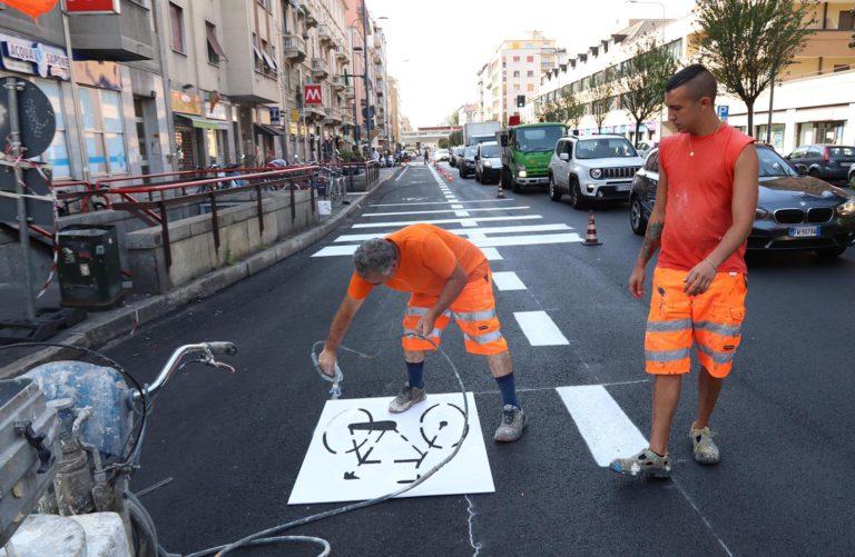 Salvini: «Cancelleremo la ciclabile in Baires». Sala: «La miglioreremo»