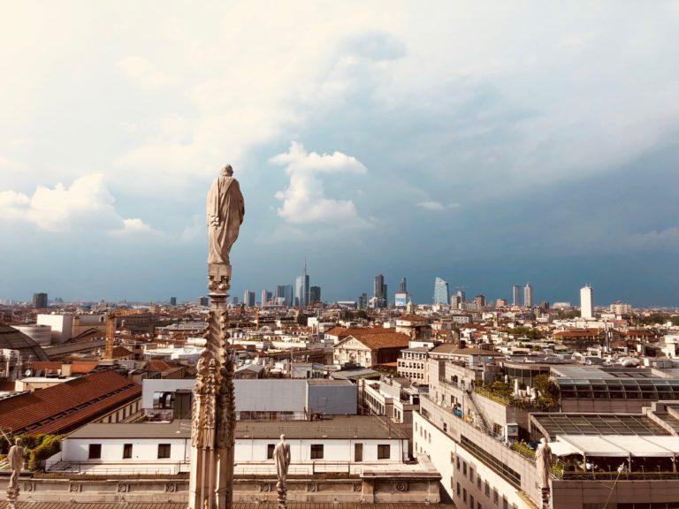 """Milano, eletta """"reginetta"""" tra le città più costose d'Italia"""