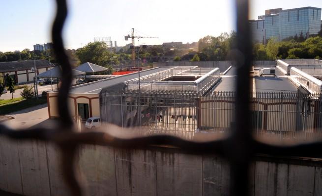 L'allarme della Rete No Cpr: «Stanno per riaprire il lager di Milano»