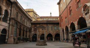 restauro loggia mercanti milano