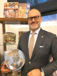 Andrea Muzzi, AD Giovanni Cova & C celebra Raffaello