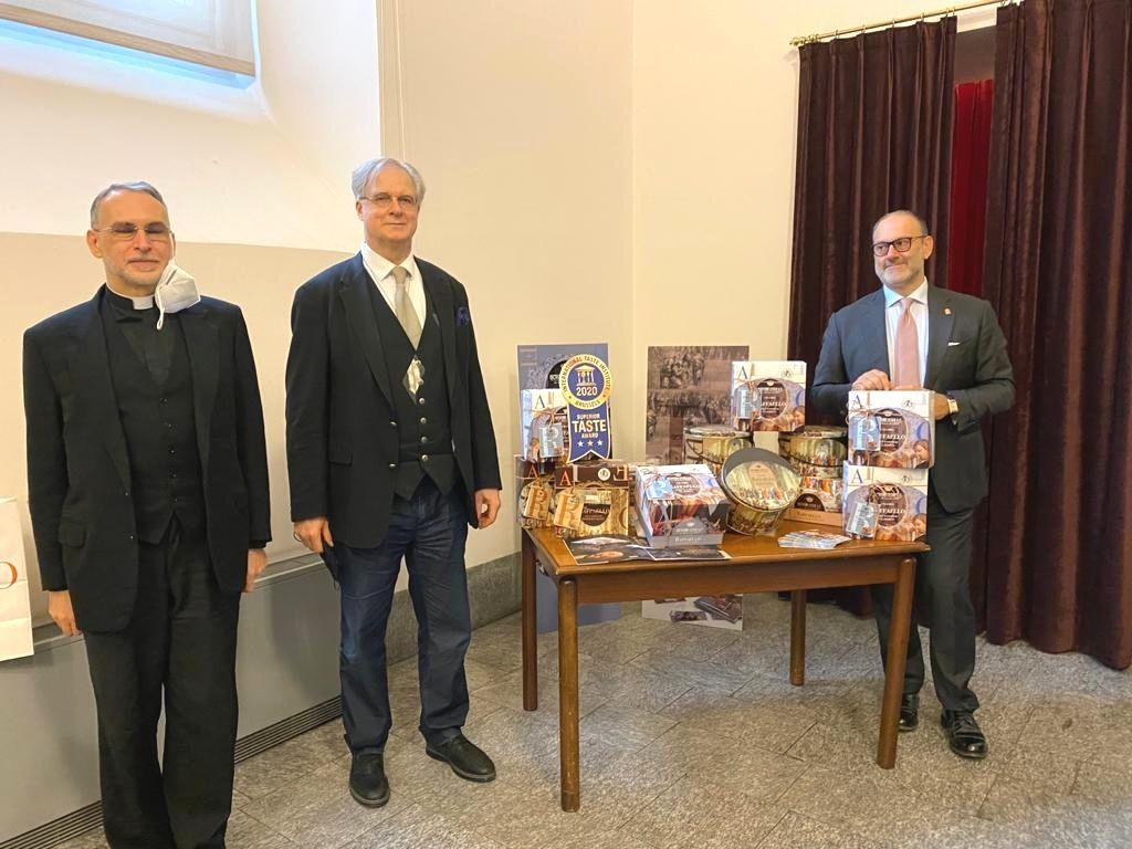 da sinistra Mons. Rocca, James Bradburne e Andrea Muzzi