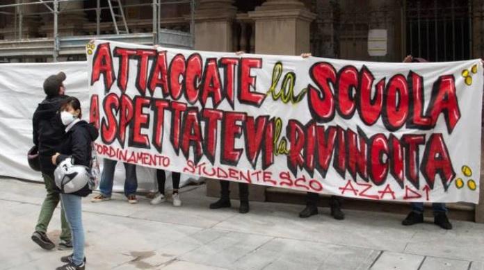 Milano, la rabbia degli studenti: «La cultura al fondo delle priorità»