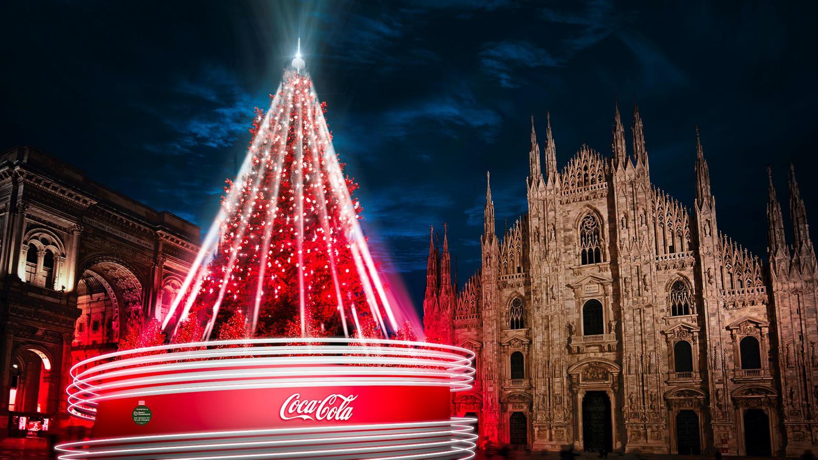 L'Albero di Natale di piazza Duomo è firmato Coca-Cola