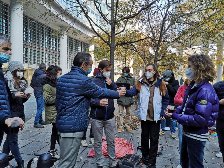 Fontana agli studenti in DAD: «Dopo il 27 novembre potremmo riaprire qualcosa»