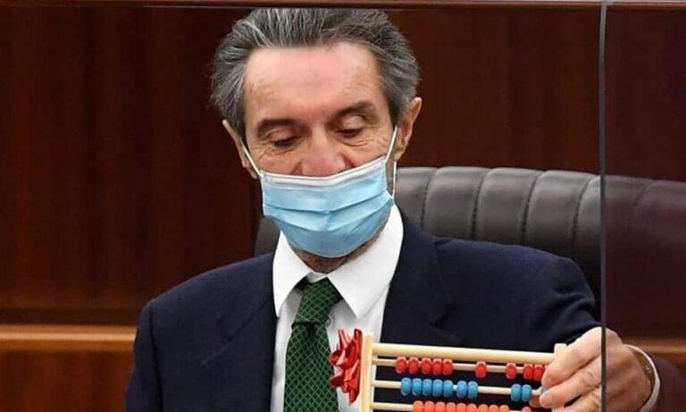 Fontana e Moratti: «Decisioni all'ultimo secondo sono devastanti»
