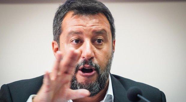 Salvini insiste: «Rinviare il coprifuoco alle 23.00 già da lunedì prossimo»