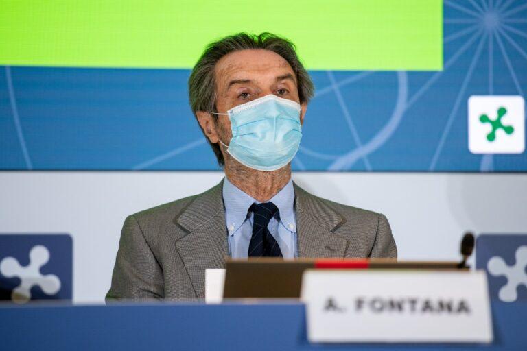 L'annuncio di Fontana: «Al via da oggi le prenotazioni dei vaccini per over 70»
