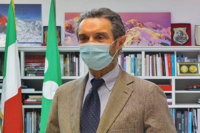 Fontana: «Da maggio test salivari in tutte le scuole lombarde»
