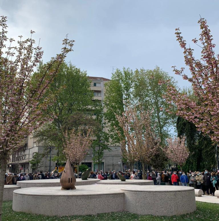 Il giardino Zen di piazza Piola dedicato a Teresa Pomodoro